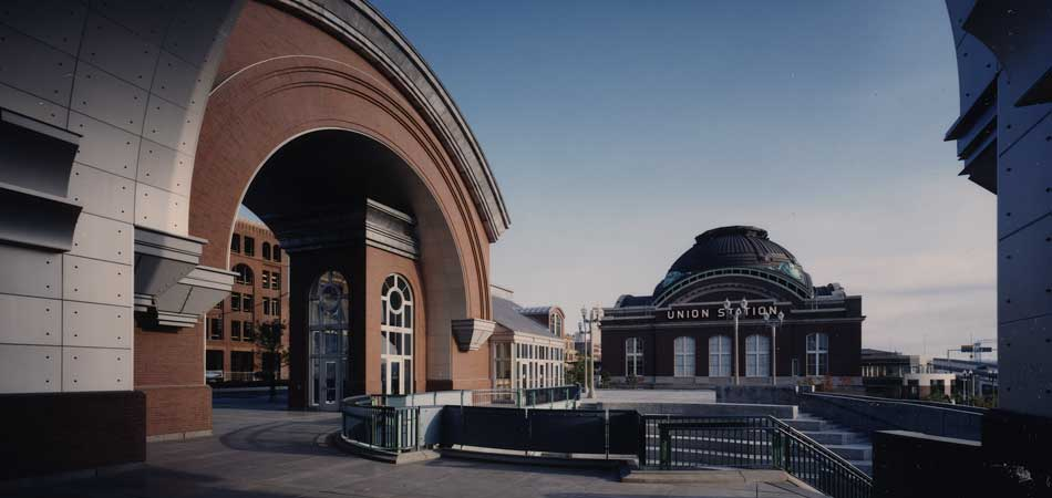 The project required extensive urban building design elements, including considerations for the University of Washington's Tacoma Campus, the historic fabric of this warehouse district, the Station, and planning for the Chihuly Bridge of Glass.