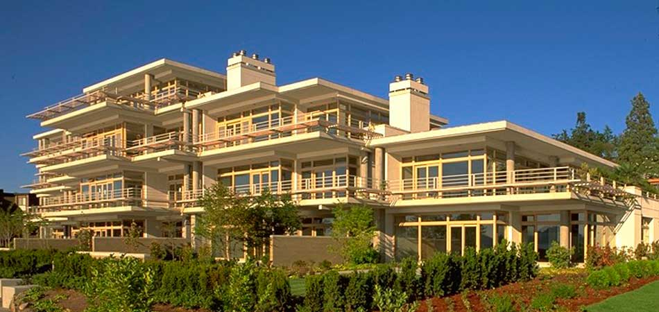 This fourteen-home condominium building design is situated on the Lake Washington waterfront.